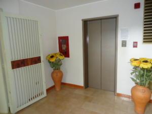 Apartamento En Venta En Caracas - Los Caobos Código FLEX: 17-15421 No.4