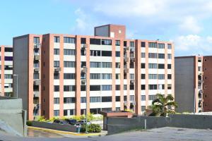 Apartamento En Ventaen Caracas, Los Naranjos Humboldt, Venezuela, VE RAH: 17-15296