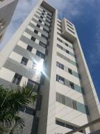 Apartamento En Ventaen Maracaibo, Avenida Bella Vista, Venezuela, VE RAH: 17-15499