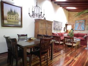 Casa En Venta En Caracas - Los Palos Grandes Código FLEX: 17-15511 No.5