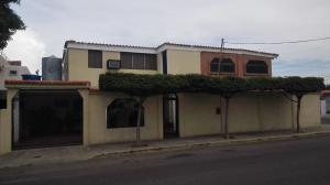 Casa En Ventaen Maracaibo, Cumbres De Maracaibo, Venezuela, VE RAH: 18-140