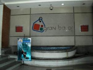 Local Comercial En Ventaen Valencia, Avenida Lara, Venezuela, VE RAH: 17-15532