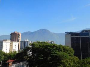 En Venta En Caracas - Colinas de La California Código FLEX: 17-15537 No.2