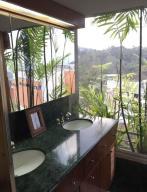 Apartamento En Venta En Caracas - Lomas de La Lagunita Código FLEX: 17-15498 No.9