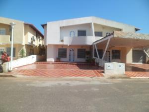 Townhouse En Ventaen Puerto Ordaz, Sector Unare I, Venezuela, VE RAH: 18-560