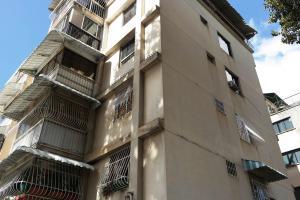 En Venta En Caracas - Santa Monica Código FLEX: 17-15697 No.17
