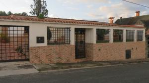 Casa En Ventaen San Antonio De Los Altos, Las Polonias Viejas, Venezuela, VE RAH: 17-15743