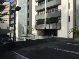 Apartamento En Venta En Caracas - Colinas de Bello Monte Código FLEX: 17-15713 No.1