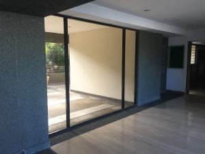 Apartamento En Venta En Caracas - Colinas de Bello Monte Código FLEX: 17-15713 No.3