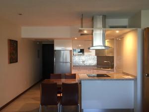 Apartamento En Venta En Caracas - Colinas de Bello Monte Código FLEX: 17-15713 No.14