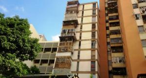 Apartamento En Ventaen Caracas, Parroquia Altagracia, Venezuela, VE RAH: 17-15774
