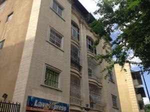 Apartamento En Ventaen Caracas, Los Chaguaramos, Venezuela, VE RAH: 17-15782