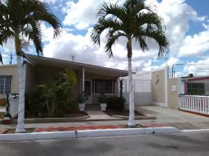 Casa En Ventaen Barquisimeto, Parroquia El Cuji, Venezuela, VE RAH: 17-15843