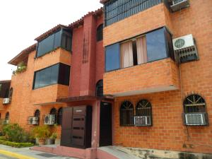 Apartamento En Ventaen Maracay, El Limon, Venezuela, VE RAH: 18-7
