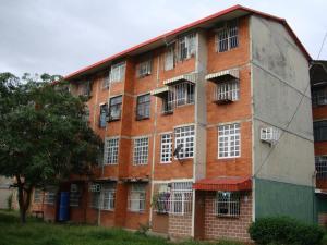 Apartamento En Ventaen Maracay, Los Samanes, Venezuela, VE RAH: 18-12