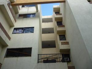 Apartamento En Ventaen Municipio Los Guayos, Paraparal, Venezuela, VE RAH: 18-40