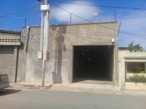 Local Comercial En Ventaen Maracaibo, Avenida Milagro Norte, Venezuela, VE RAH: 18-48