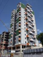 Apartamento En Ventaen Maracay, Zona Centro, Venezuela, VE RAH: 18-51