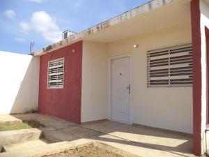Casa En Ventaen Coro, Villa Sabana, Venezuela, VE RAH: 18-80