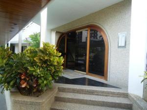 Apartamento En Venta En Caracas - La Alameda Código FLEX: 18-78 No.13