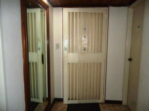 Apartamento En Venta En Caracas - La Alameda Código FLEX: 18-78 No.14
