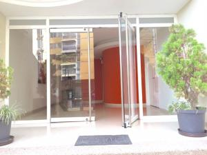 Apartamento En Ventaen Maracay, San Jacinto, Venezuela, VE RAH: 18-93