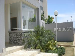 Apartamento En Ventaen Maracaibo, San Martin, Venezuela, VE RAH: 18-96