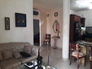 Apartamento En Ventaen Ciudad Ojeda, Calle Piar, Venezuela, VE RAH: 18-148