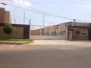 Townhouse En Ventaen Municipio San Francisco, San Francisco, Venezuela, VE RAH: 18-152