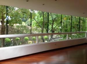Apartamento En Venta En Caracas - Los Naranjos de Las Mercedes Código FLEX: 18-220 No.4