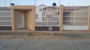 Casa En Ventaen Punto Fijo, Puerta Maraven, Venezuela, VE RAH: 18-138