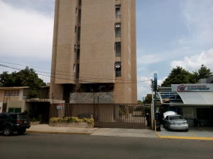 Apartamento En Ventaen Maracaibo, Tierra Negra, Venezuela, VE RAH: 18-255