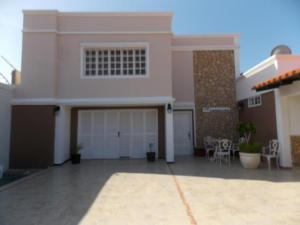 Casa En Ventaen Punto Fijo, Puerta Maraven, Venezuela, VE RAH: 18-309