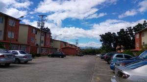 Apartamento En Ventaen Guatire, Valle Grande, Venezuela, VE RAH: 18-563