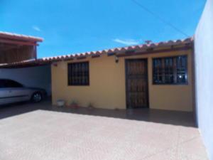 Casa En Ventaen Punto Fijo, Puerta Maraven, Venezuela, VE RAH: 18-327