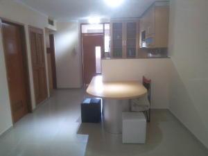 Apartamento En Ventaen Maracaibo, Las Delicias, Venezuela, VE RAH: 18-328