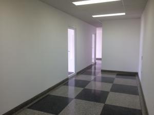 Oficina En Alquileren Maracaibo, Avenida El Milagro, Venezuela, VE RAH: 18-332