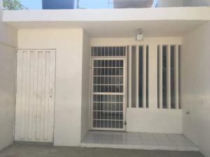 Casa En Ventaen Punto Fijo, Puerta Maraven, Venezuela, VE RAH: 18-334