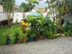 En Venta En Maracay - El Castano (Zona Privada) Código FLEX: 18-343 No.2