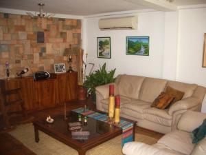 En Venta En Maracay - El Castano (Zona Privada) Código FLEX: 18-343 No.6