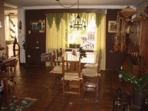 En Venta En Maracay - El Castano (Zona Privada) Código FLEX: 18-343 No.8