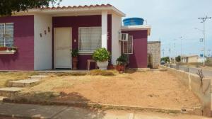 Casa En Ventaen Municipio San Francisco, Los Samanes, Venezuela, VE RAH: 18-402