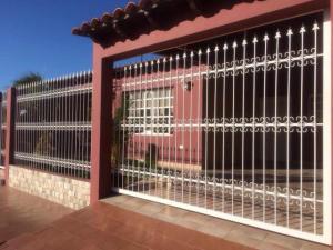 Casa En Ventaen Punto Fijo, Las Virtudes, Venezuela, VE RAH: 18-429