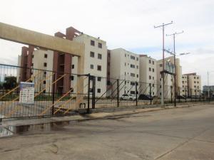 Apartamento En Ventaen Municipio Los Guayos, Paraparal, Venezuela, VE RAH: 18-497