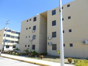 Apartamento En Ventaen Municipio Los Guayos, Buenaventura, Venezuela, VE RAH: 18-485