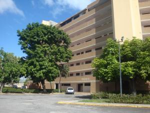 Apartamento En Ventaen Higuerote, Agua Sal, Venezuela, VE RAH: 18-488