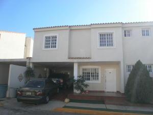 Townhouse En Ventaen Maracaibo, Circunvalacion Dos, Venezuela, VE RAH: 18-502