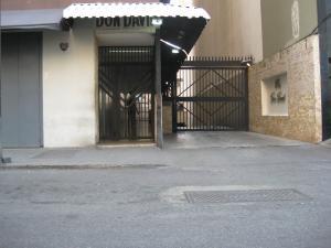 Apartamento En Ventaen Maracay, Zona Centro, Venezuela, VE RAH: 18-511