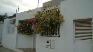 Casa En Ventaen Lecheria, El Morro Iii, Venezuela, VE RAH: 18-508