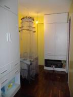 Apartamento En Venta En Caracas - Las Mercedes Código FLEX: 18-518 No.9